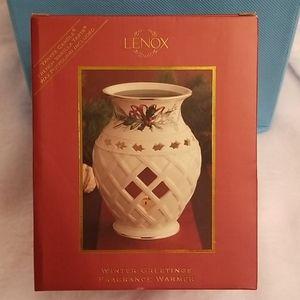 NIP Lenox Winter Greetings Fragrance Warmer